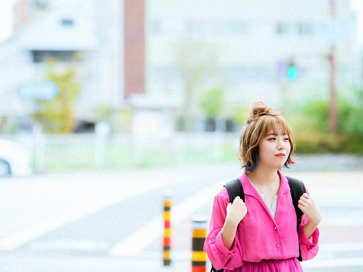 通学途中の学生